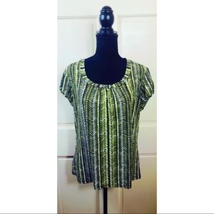 Worthington stretch green patterned essential tee